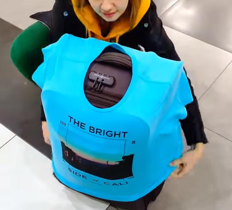 camisa en maleta